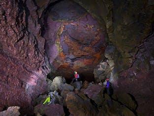 용암속으로 비드겔미르 용암 동굴과 보르가르피요르드 지역 음성가이드 투어