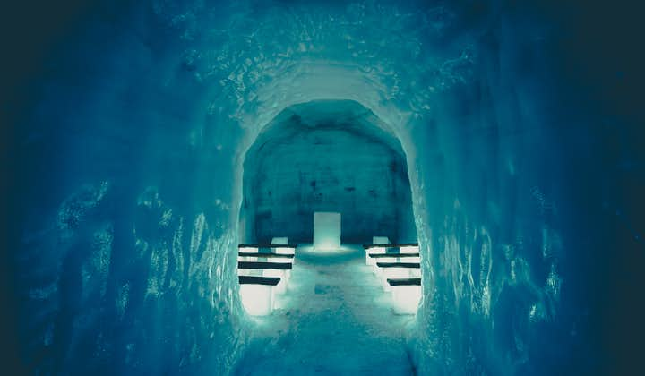ทัวร์สโนว์โมบิล และ อุโมงน้ำแข็ง  บริการทั้งปี จากเมืองเรคยาวิก