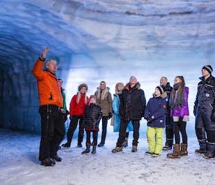 Visita al Túnel de hielo y a las Cascadas de Hraunfossar | Tour con audioguía en español