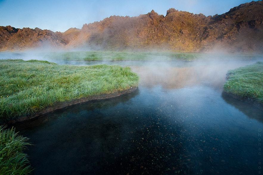 Один из бассейнов на горячих источниках Ландманналаугар.