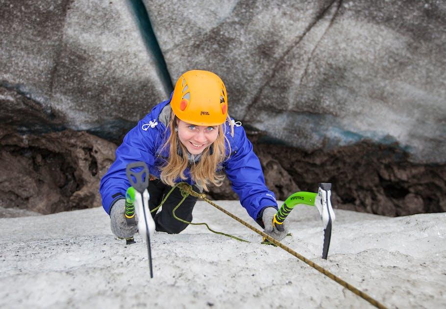 910f957a44 Caminata y escalada en hielo en el glaciar Solheimajokull | Dificultad media