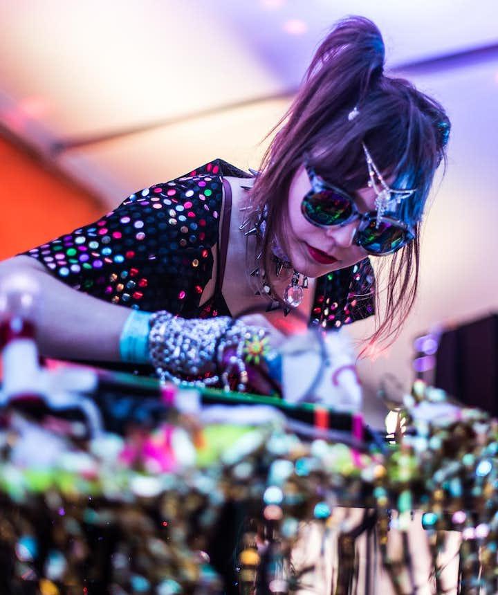 冰岛秘密夏至音乐节的小众电子演出好听好玩好看