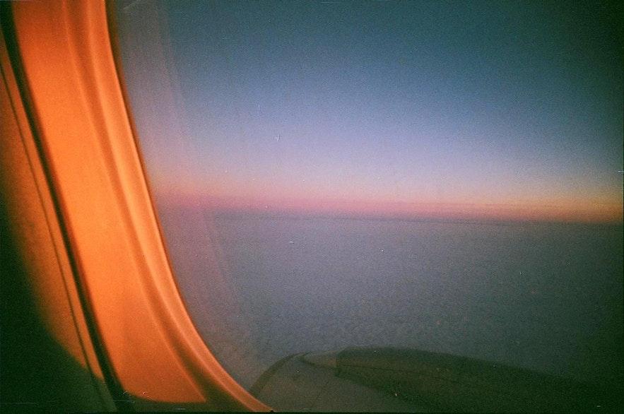 来冰岛除了坐渡轮,必须坐飞机