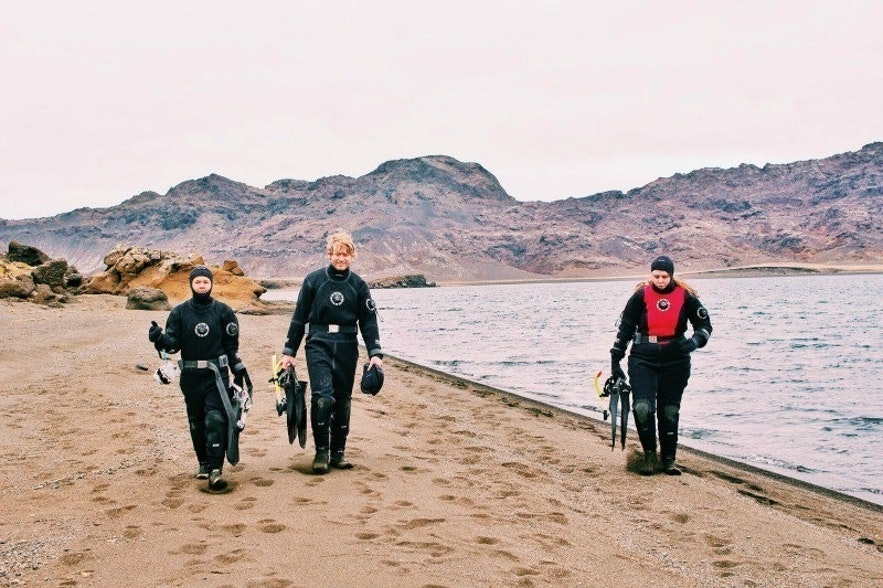 Drysuit diving in Iceland