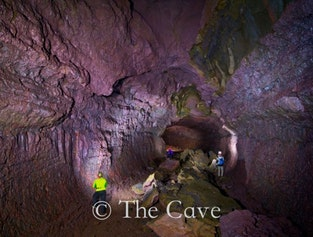 West Coast Tour   Hvalfjörður, Borgarfjörður & Viðgelmir Lava Cave