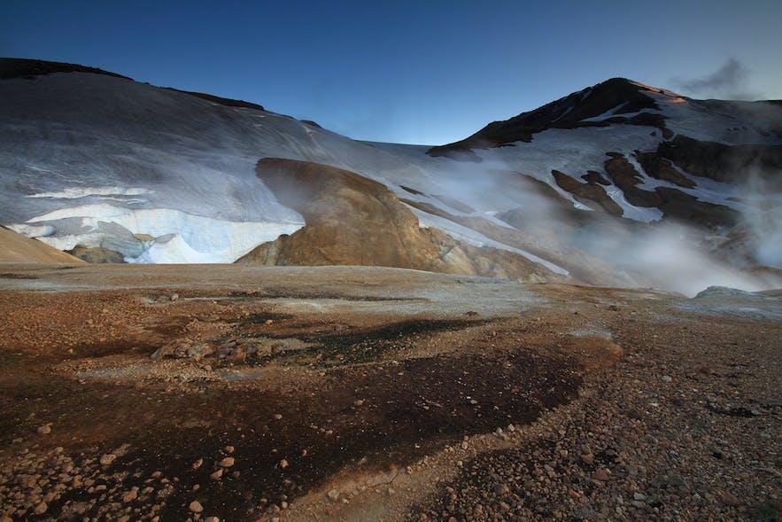 Zdjęcie z islandzkiego interioru przy lodowcu Hofsjökull.