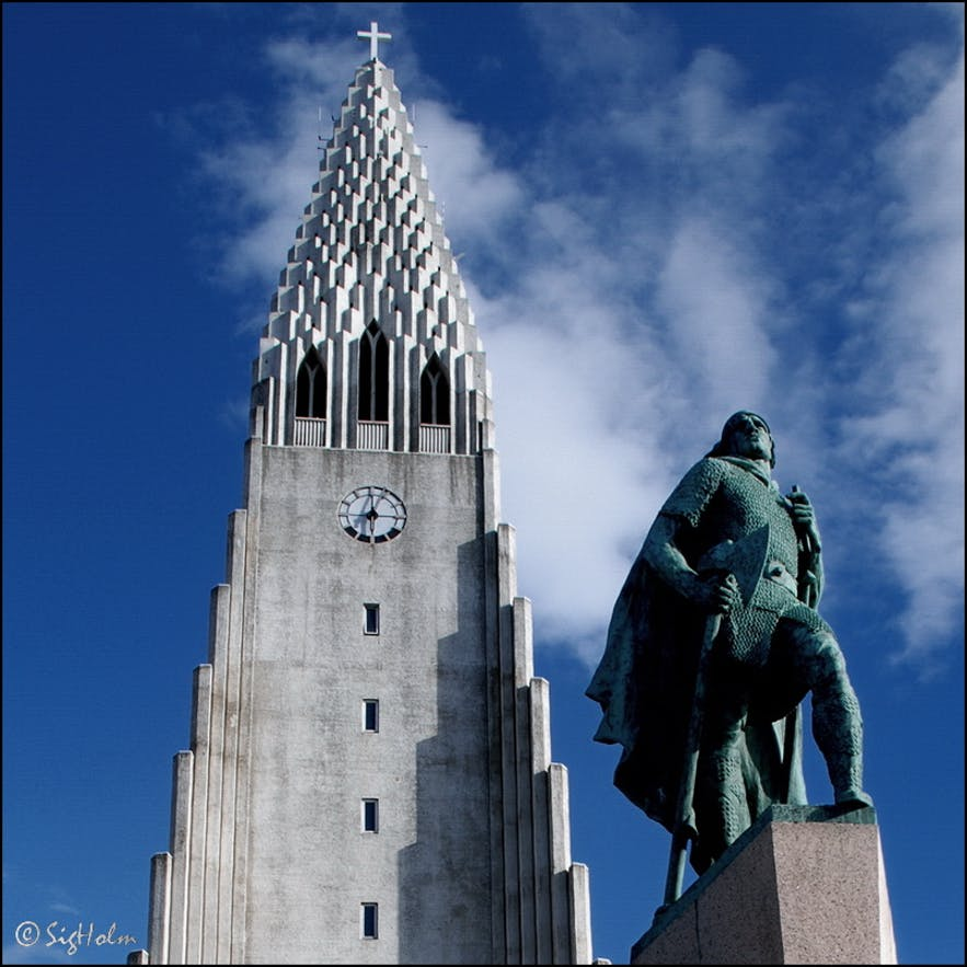 A statue of Leifur Eiríksson outside Hallgrímskirkja church in Reykjavík