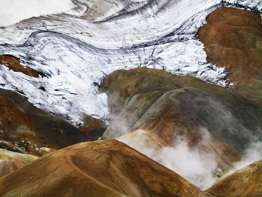 Hveradalir ('The Valleys of Hot Springs) rank amongst Iceland's largest geothermal areas.