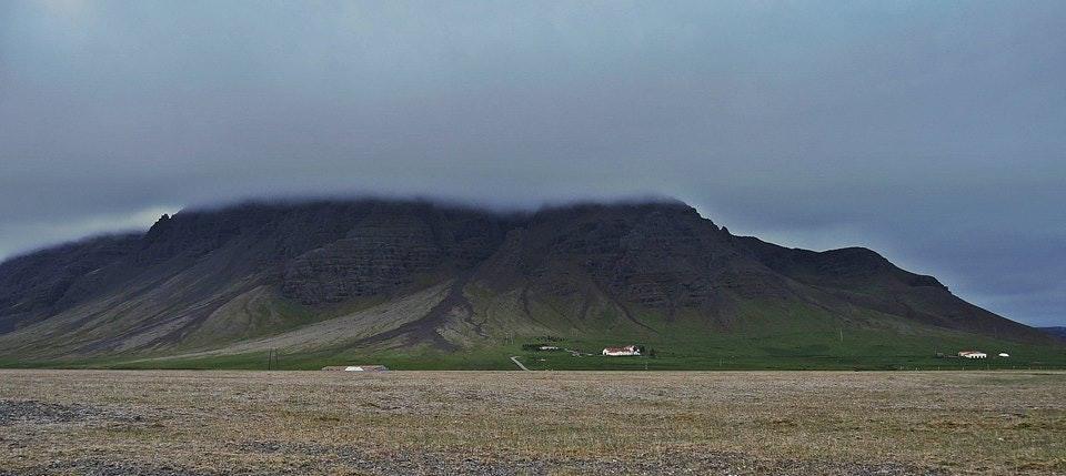 冰岛南岸的山