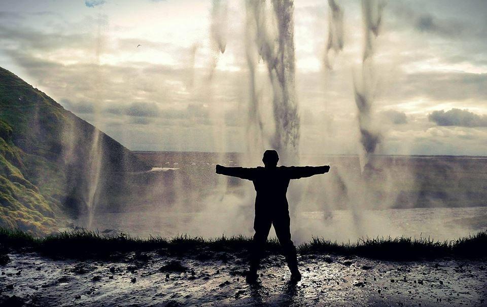塞里雅兰瀑布Seljalandsfoss