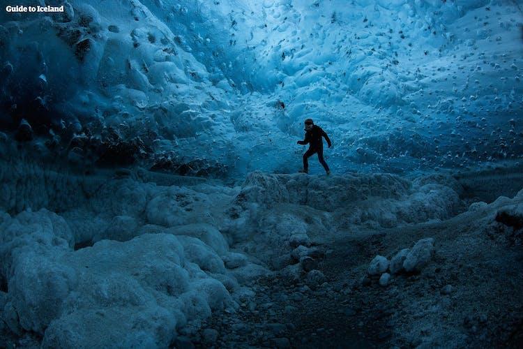 アドベンチャー満載のウィンターパッケージ10日間|氷の洞窟とハイランド地方