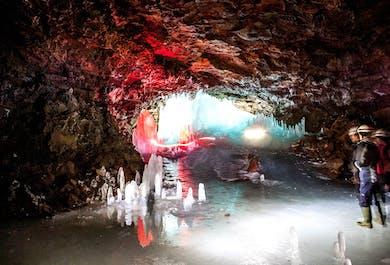 ミーヴァトン湖集合│ロフトヘトリル洞窟探検
