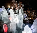Eisskulpturen in der Höhle Lofthellir