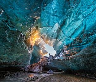 แพ็คเกจ 2 วัน ทัวร์ถ้ำคริสตัล| น้ำตกบนชายฝั่งทางใต้ & ทะเลสาบธารน้ำแข็งโจกุลซาลอน