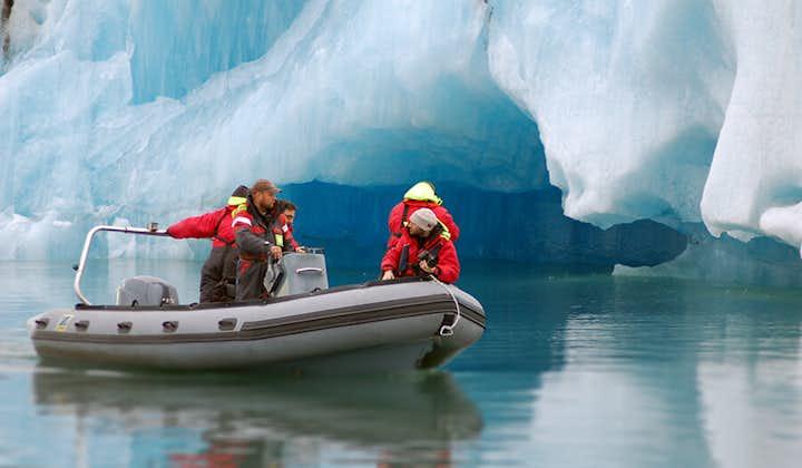Gummibåtstur på issjön Jökulsárlón
