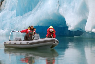 Тур по ледниковой лагуне Йокульсарлон на лодке Зодиак