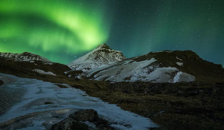 3-godzinne polowanie na zorzę polarną w małej grupie z transferem z Reykjaviku