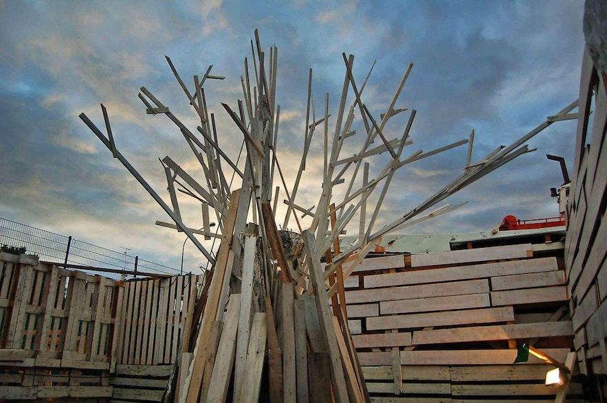 The tree of life within Huldufugl's maze