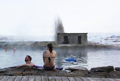 El Círculo Dorado y la Laguna Secreta   Ruta turística y baño en aguas termales