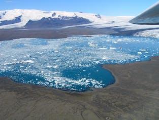 Sightseeing-Flug   Hvannadalshnjúkur und Gletscherlagune Jökulsárlón