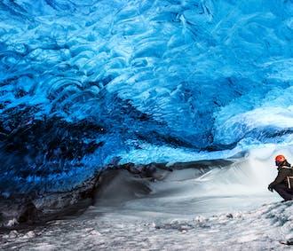 氷の洞窟探検付き 2日間南海岸ツアー(ホステル泊)
