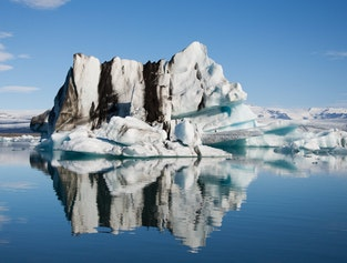 2 Day Tour to Jökulsárlón with Glacier Hike and South Coast Attractions