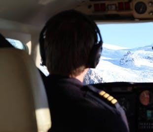 Sightseeing Flight from Skaftafell   Pilot Special