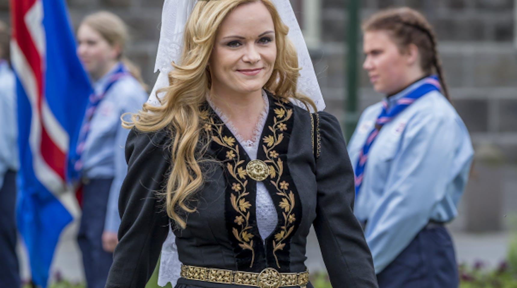Islanda Dating Woman.