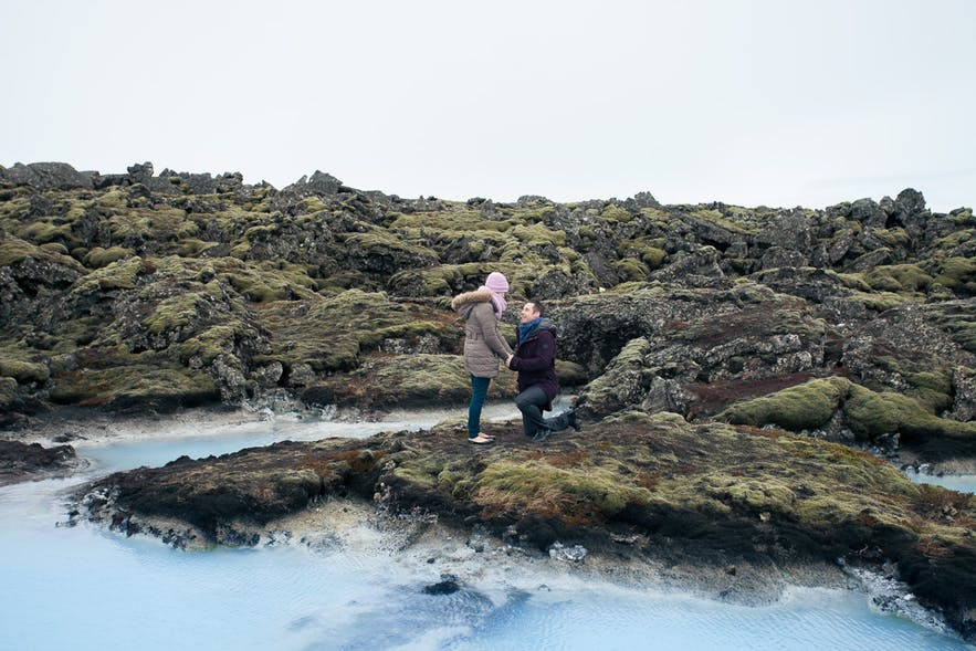Blue Lagoon proposal. Picture by Arctic Weddings Iceland.