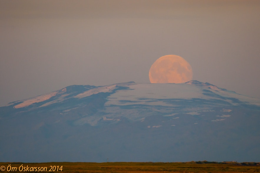 Supermoon in Iceland, picture by Örn Óskarsson