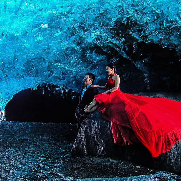 ヨークルスアゥルロゥン氷河湖集合 ヴァトナヨークトル氷河の氷の洞窟ツアー