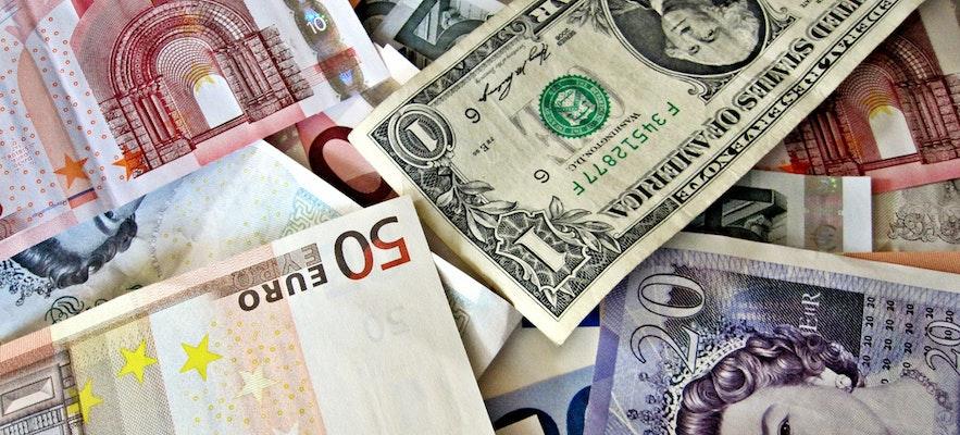 유로화, 달러, 크로나의 모습