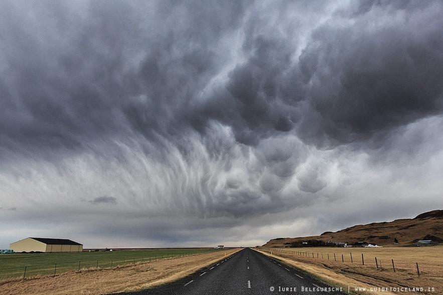 Zmieniająca się pogoda na Islandii