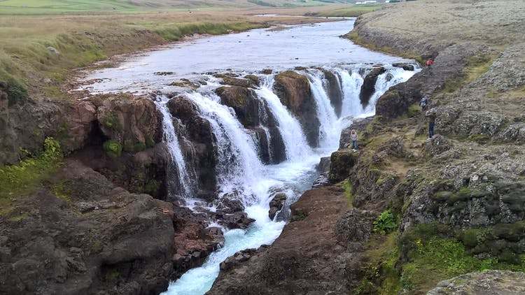 West and South Iceland have many incredible waterfalls to marvel over, including some that are lesser known than Gullfoss and Skógafoss.