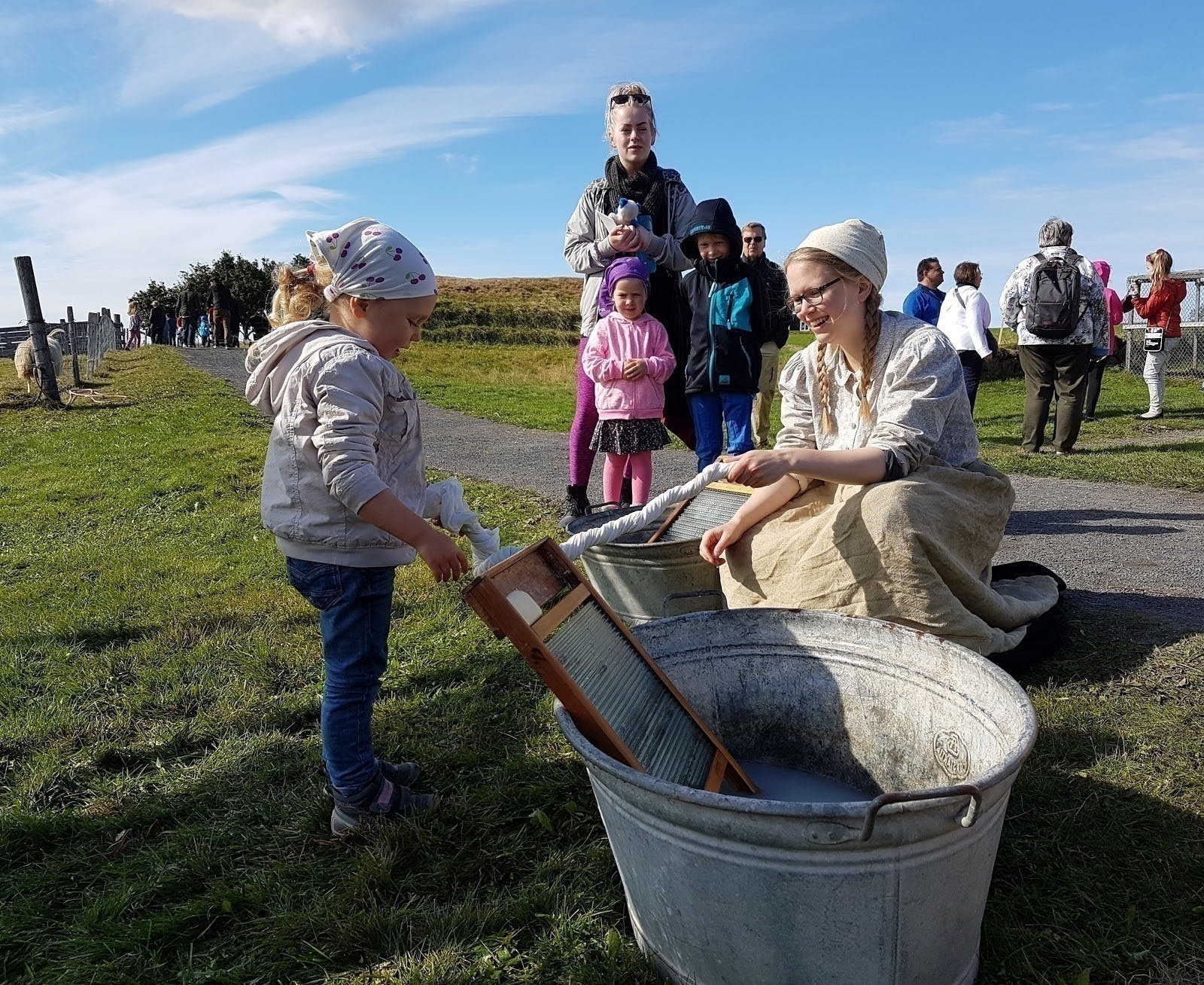 what-to-do-with-younger-kids-in-the-reykjavik-area-20.jpg?auto=format&ch=Width%2CDPR&dpr=1&ixlib=php-1.1.0&q=80&w=644&s=0f35dbc18ad4ecbfc28c48645621eeb4.jpg