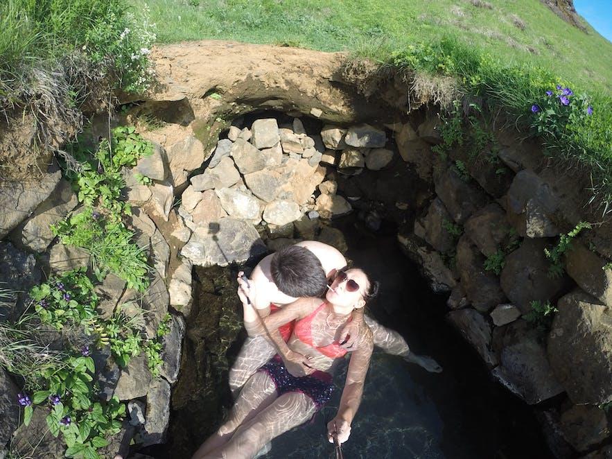 Gorące źródła - Hrunalaug