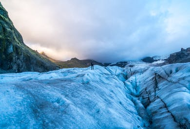Skaftafell Flight and Local Guide Glacier Experience