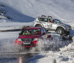 Arctic Trucks driving 101 - Guided Self-Drive Tour