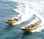 Les bateaux rapides vous rapproche des îles et des macareux de Vestmannaeyjar