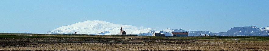 Staðastaður with the backdrop of Snæfellsjökull glacier