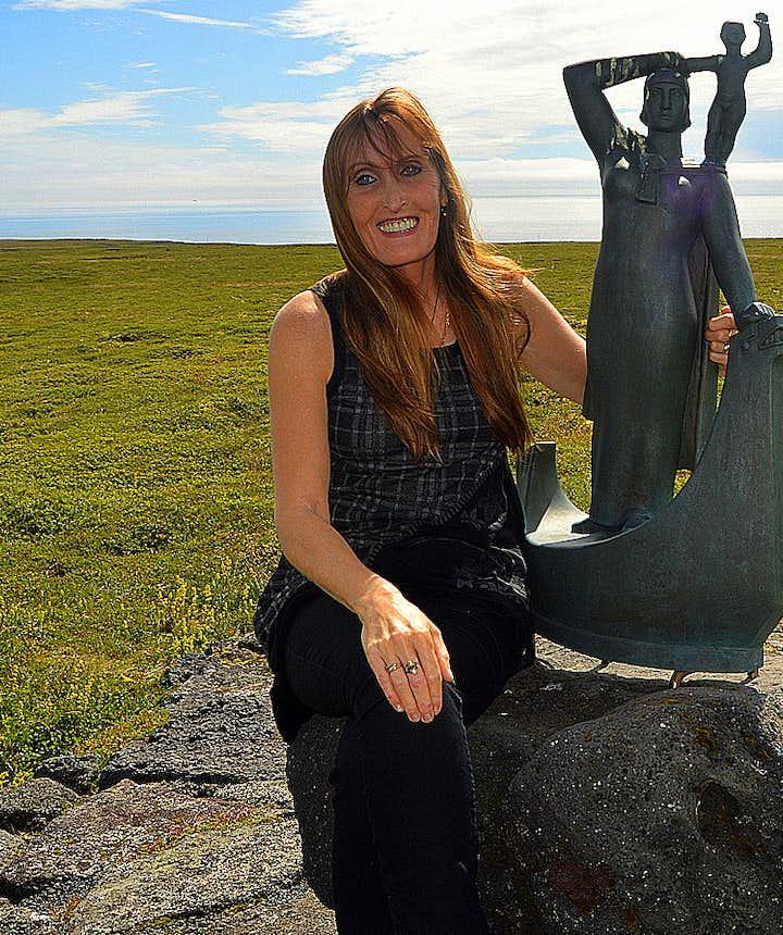 The Historical Laugarbrekka on the Snæfellsnes Peninsula and Guðríður Þorbjarnardóttir