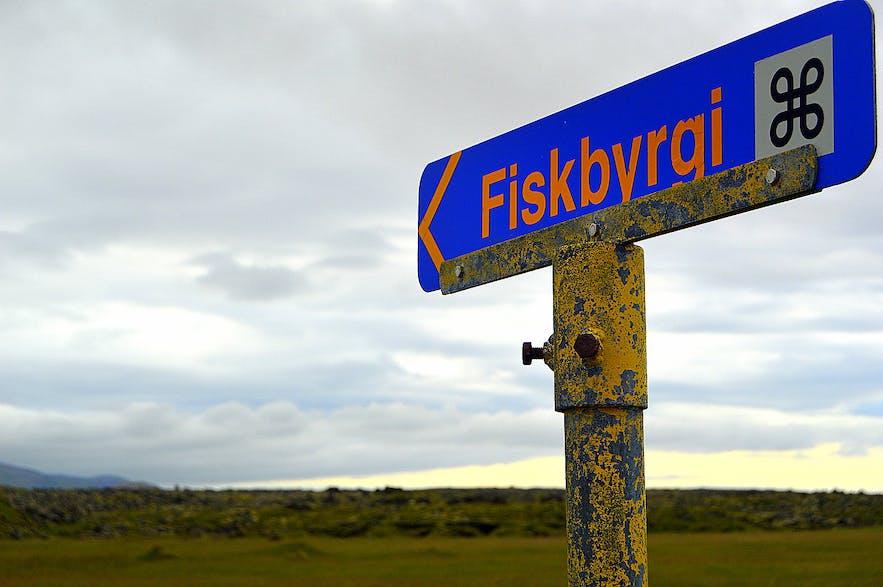 Fiskbyrgin á Gufuskálum - the Fish Drying Sheds at Gufuskálar
