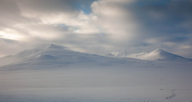 Days of Darkness | 5 Day Winter Experience in East Iceland