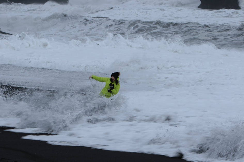 1773acd3f8ccf Extremely dangerous Waves by Reynisfjara and Kirkjufjara black Beaches in  South-Iceland!