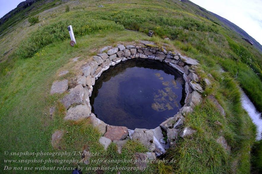 Künstliches Thermalbecken, gesegnet im 11. Jahrhunder