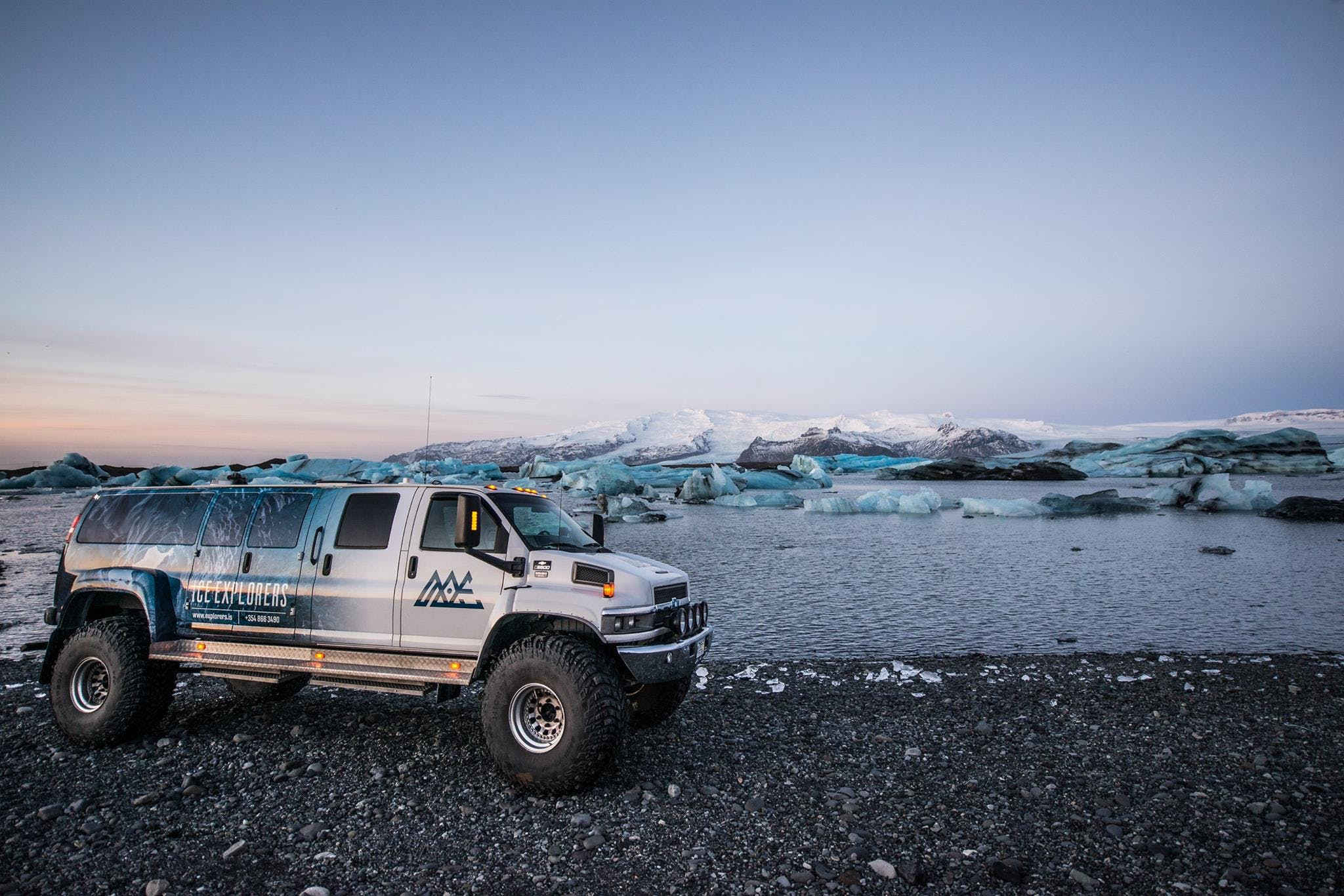 Unique Natural Ice Cave tour in Breiðamerkurjökull glacier outlet