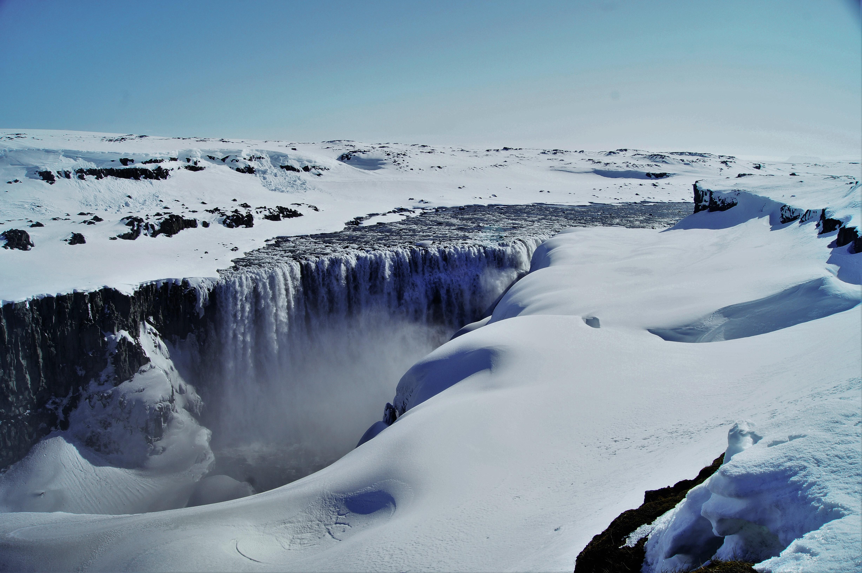 冬に撮影した北アイスランドのデティフォスの滝