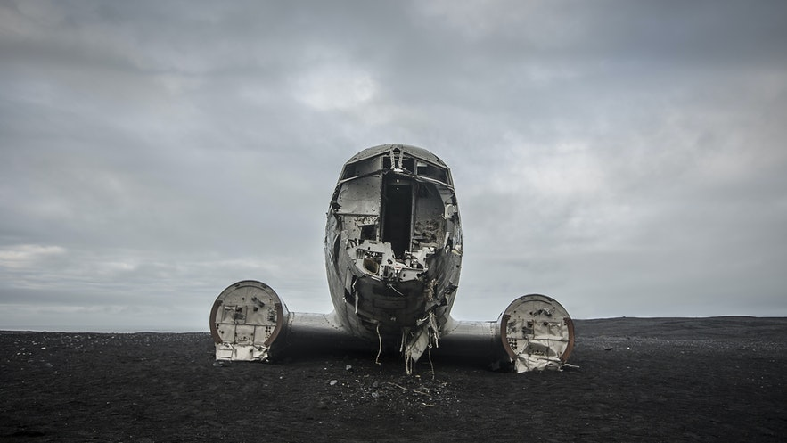 A Wrecked Airplane as a Photography Location