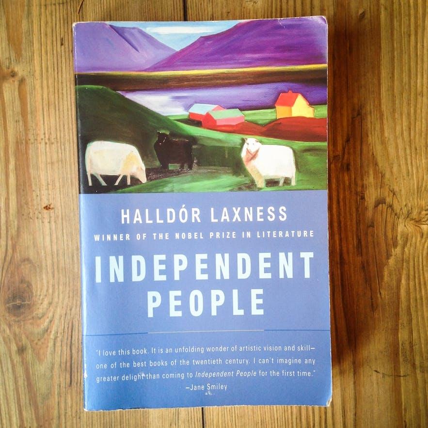 Die preisgekrönte Novelle porträtiert anschaulich die Starrsinnigkeit vieler isländischer Männer auf dem Land im frühen 20. Jahrhundert
