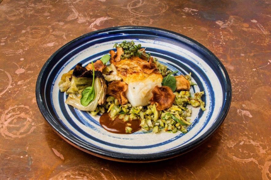 Meeresfrüchte-Gericht im Restaurant Kol